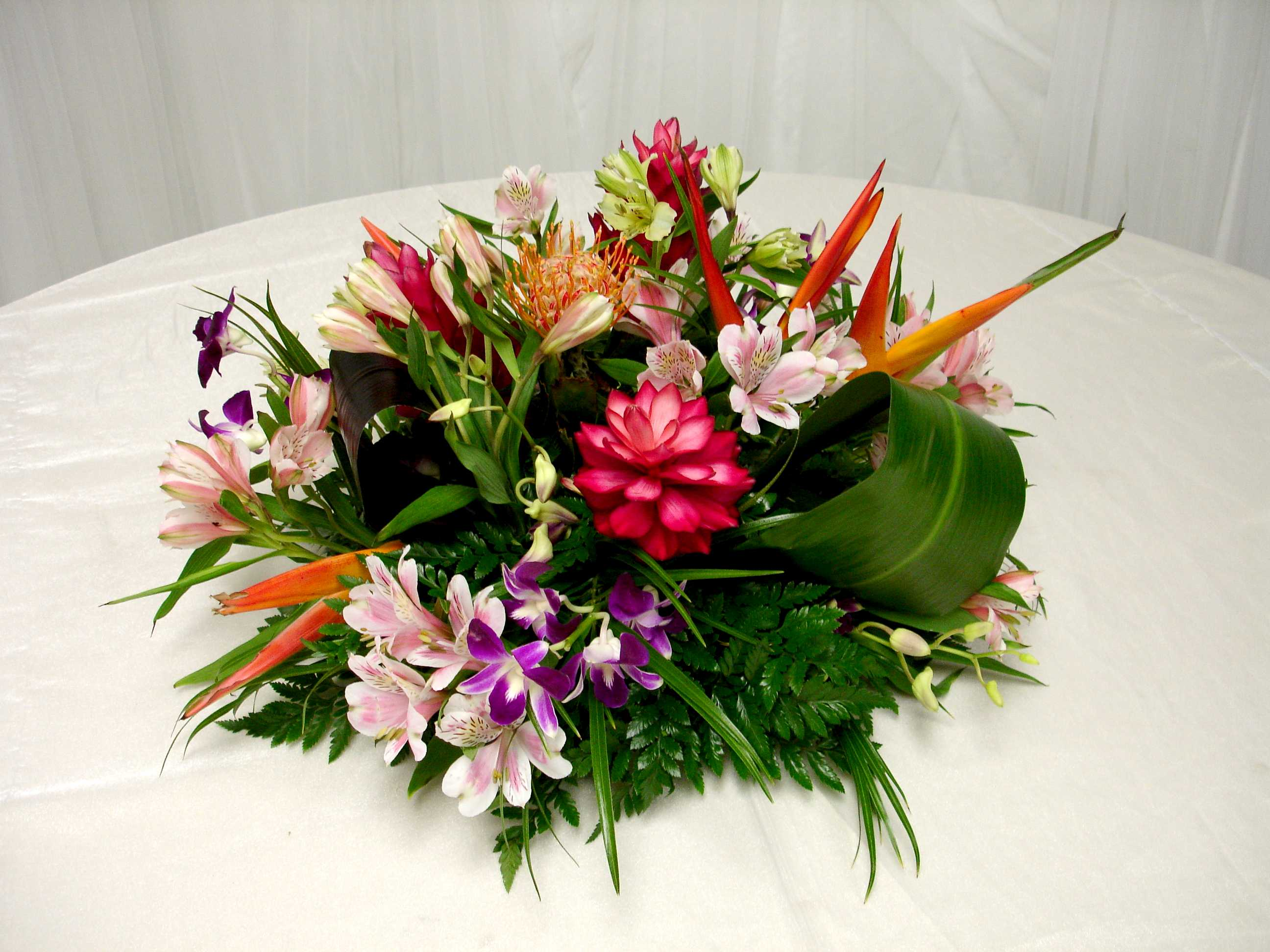 Tropical Centerpieces Advantage Meeting And Events