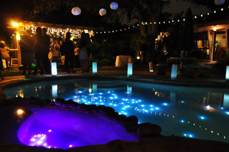 String Lights Around The Pool : Submersible Lights in the pool with luminary hurricanes, cafe string lights & paper lanterns ...